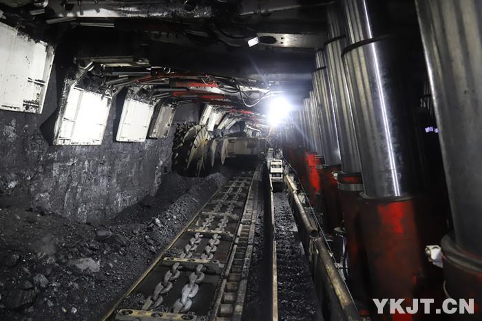 赵楼煤矿:铺就千米深井智能开采路